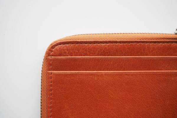 กระเป๋าสตางค์สีส้ม