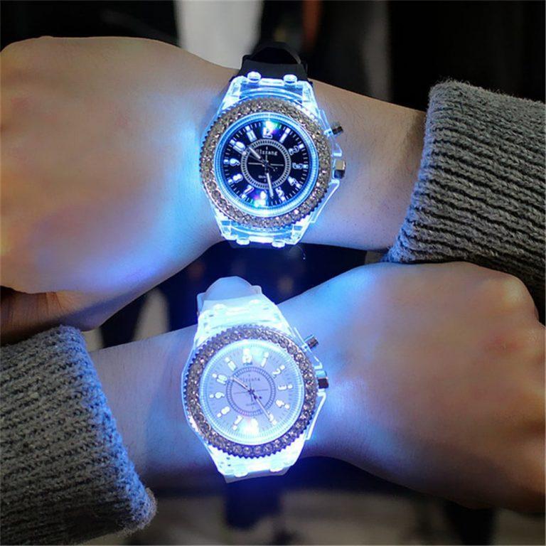 นาฬิกาเรืองแสง